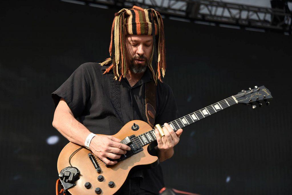 Alex Otaola - Guitarrista en Santa Sabina / La Cuca