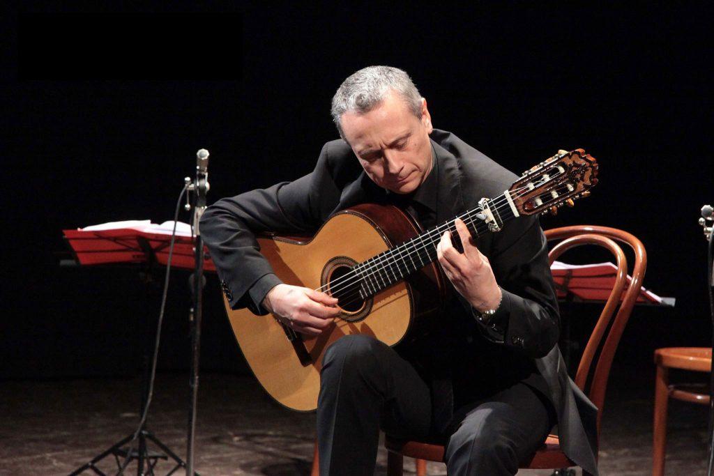 Eduardo-Pascual-Diez - Guitarrista clásico - concertista